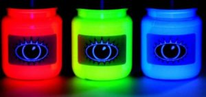 Преимущества флуоресцентной краски