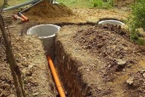 Проводка труб канализации