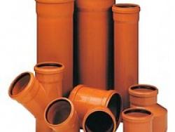 Трубы из пластика прочные, жесткие, оранжевые
