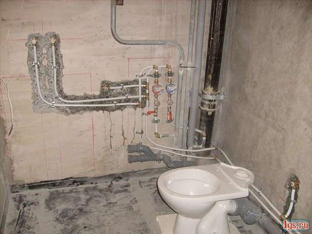 Разводка труб в ванной своими руками видео фото 75